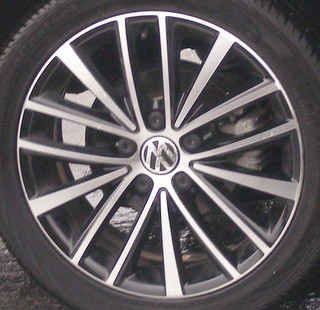 11-14 VOLKSWAGEN GOLF TDI 17x7 Alternating 15 Spoke MACHINE/BLACK