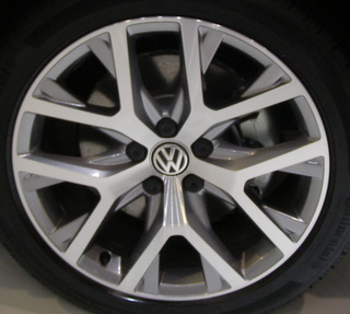 17-18 VOLKSWAGEN GOLF ALLTRACK/GTI 18x7.5 2-Level Angular 5 Y-Spoke MACH/GREY CANYON, U90