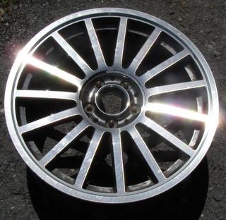 H 2249 Chrysler Crossfire Srt 6 18x7 5 Front Thin Radial