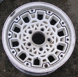 93 GMC S15 4X2/SONOMA 15x7 Dished 10 Hole Mesh w Rivets WHITE