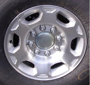 07-10 GMC TRUCK 8 LUG 17x7.5 8x6.5 Dished 6 Spk, Notched End MC/SILVER, OPTN N89