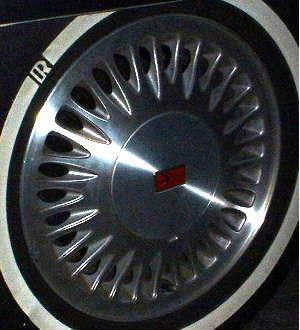 94-99 OLDSMOBILE EIGHTY-EIGHT 15x6 Alternating 30 Slot, Cvrd Lugs MACHINE/SILVER