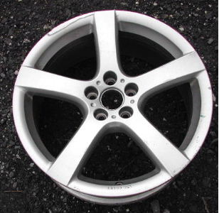 08-12 VOLKSWAGEN GOLF 18x7.5 Thin Flat 5 Spoke A 18